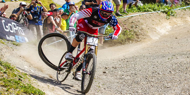 Aaron Gwin no tire